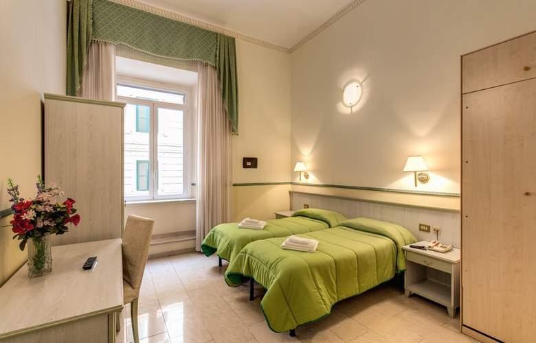 Cambridge - Room - 19