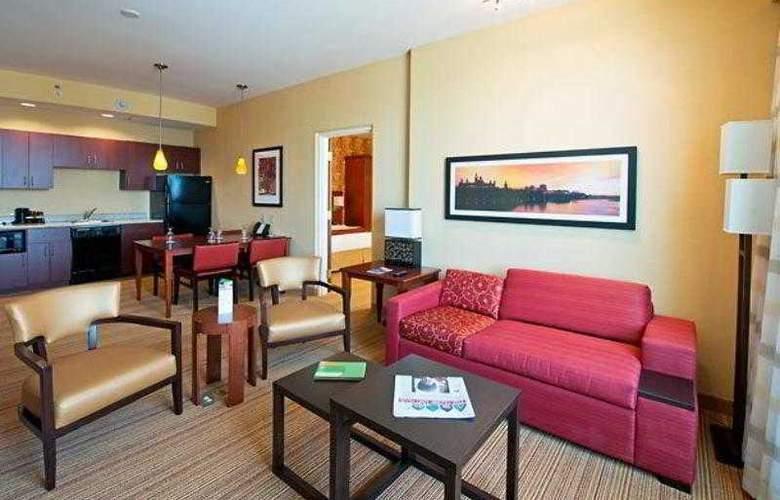 Courtyard Ottawa East - Hotel - 14