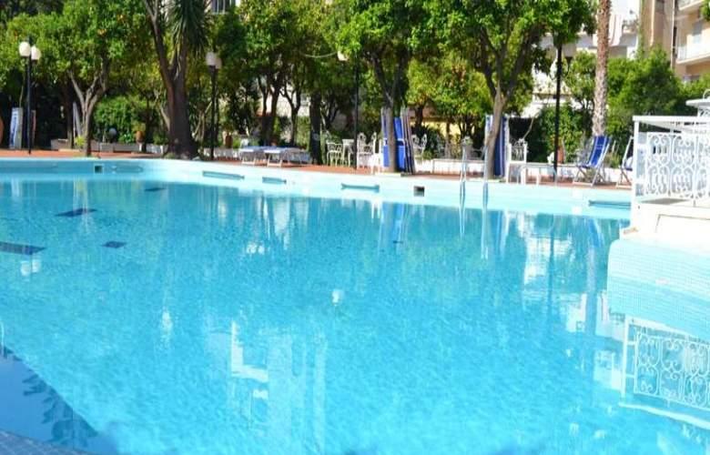 Carlton International - Pool - 9