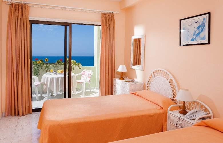 Apartamentos Bahia Playa - Room - 4