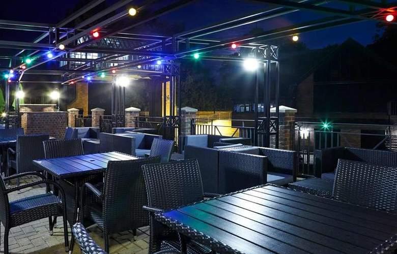 Novotel York Centre - Terrace - 1
