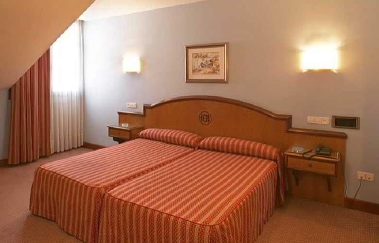 Hotel Sercotel Ciudad de Oviedo - Room - 10