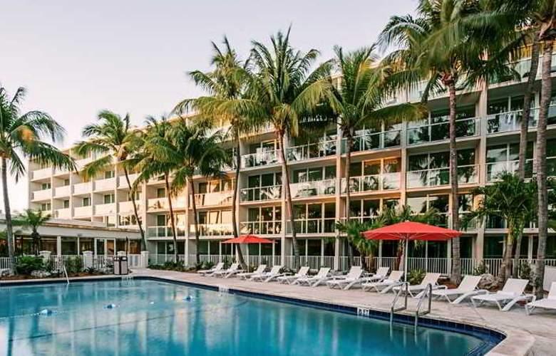 Hampton Inn & Suites Islamorada - Pool - 13