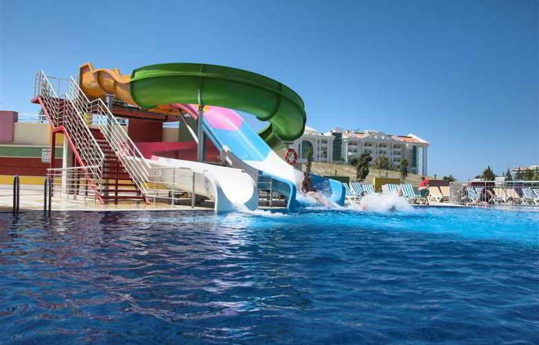Ramada Resort Side - Pool - 21