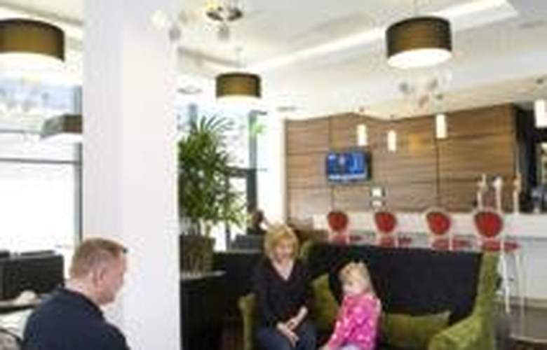 Hampton by Hilton Liverpool city centre - Bar - 5