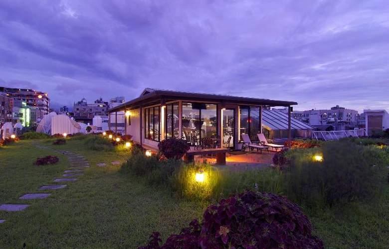 The Riviera Hotel - Terrace - 36