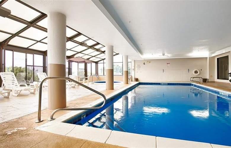 Best Western Joliet Inn & Suites - Pool - 150