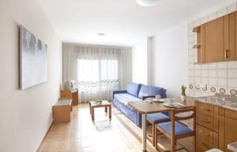 Apartamentos Arago - Hotel - 0