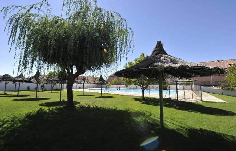 Puerta De Segovia - Pool - 8