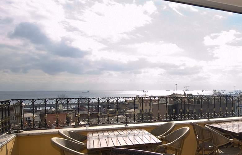Elfida Suites Hotel - Terrace - 33