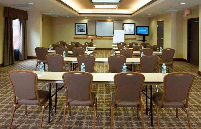 Hampton Inn Waldorf - Conference - 14
