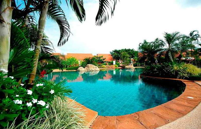 Golden Pine Resort Chiang Rai - Pool - 3