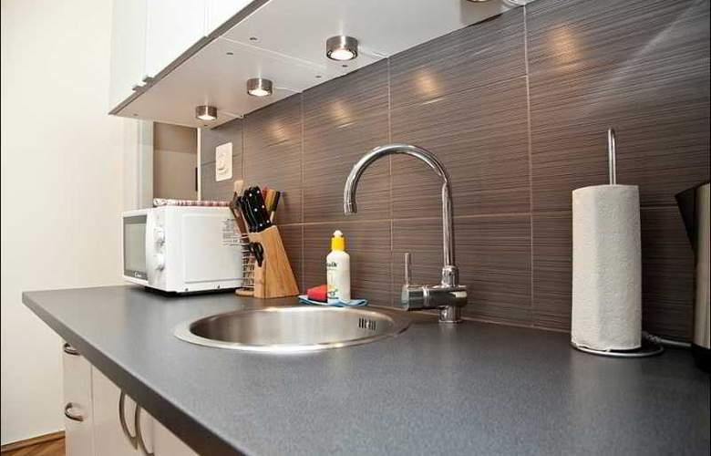 P&O Apartments Elektoralna - Room - 5