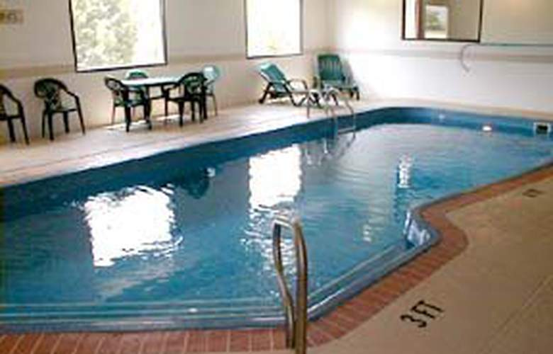Comfort Suites (Indianapolis) - Pool - 5