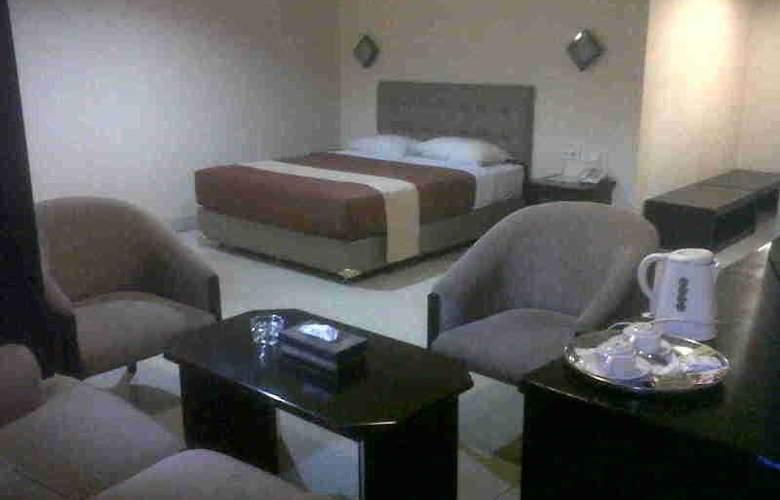 Rota Hotel - Room - 8