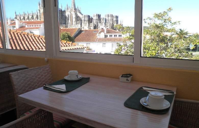 Hotel Residencial Batalha - Restaurant - 4