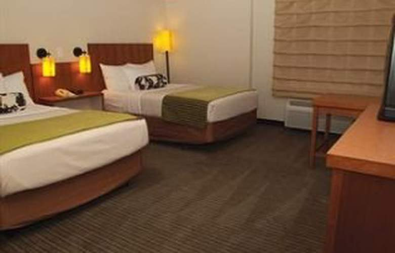 La Quinta Inn & Suites Austin Airport - Room - 8