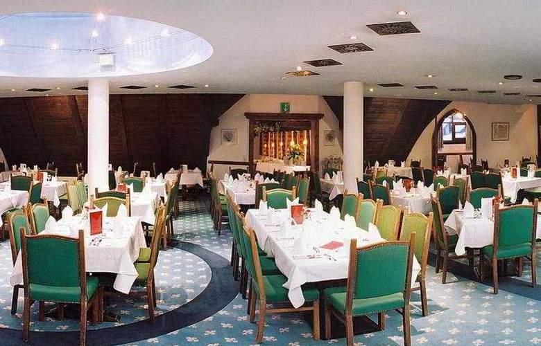Schlosshotel Rosenegg - Restaurant - 11