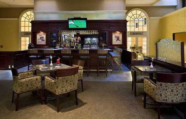 Hilton Sacramento Arden West - Bar - 8