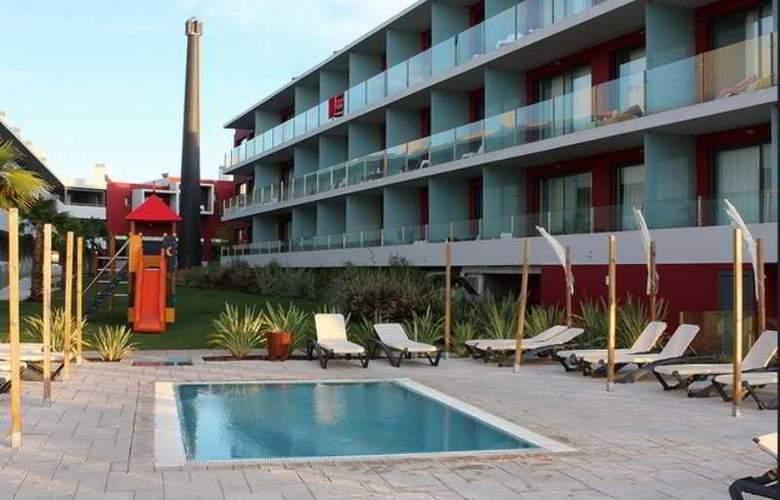 Agua Hotels Riverside - Terrace - 26