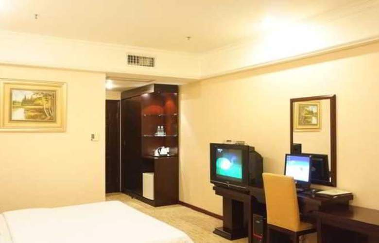 Raystar - Room - 7