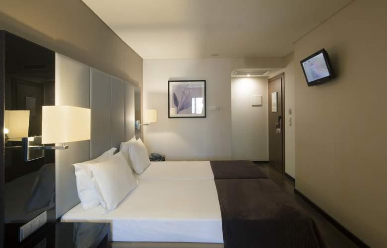 Turim Luxe - Room - 17
