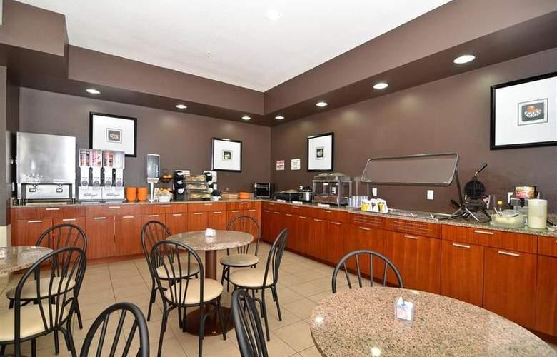 Best Western Peppertree Inn At Omak - Restaurant - 42