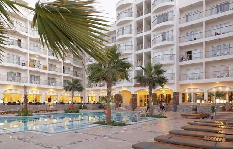 The Three Corners Royal Star Beach Resort - Hotel - 7