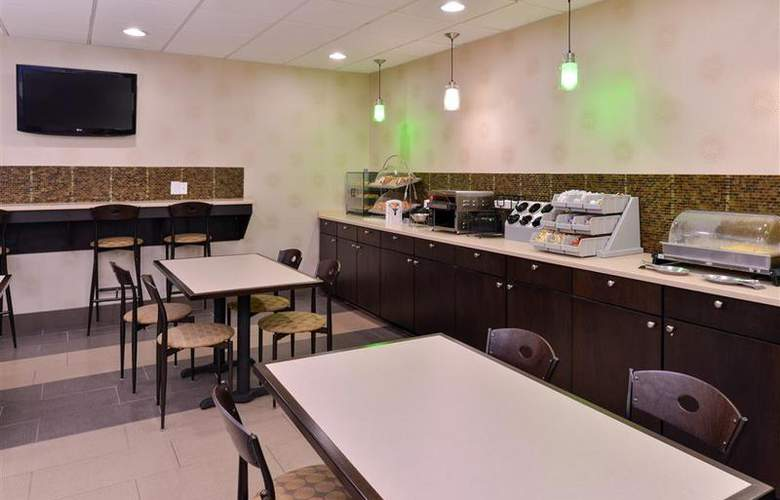 Best Western Plus Richmond Airport Hotel - Restaurant - 112