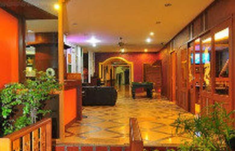 Triple Rund Place - Hotel - 0