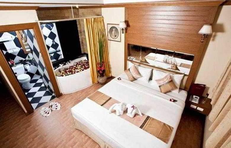 Bangkok Residence Patong - Room - 11