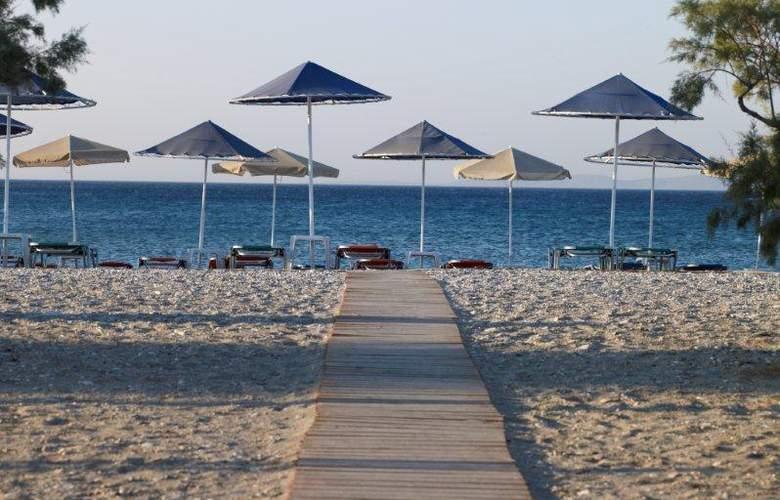 Fito Bay - Beach - 2