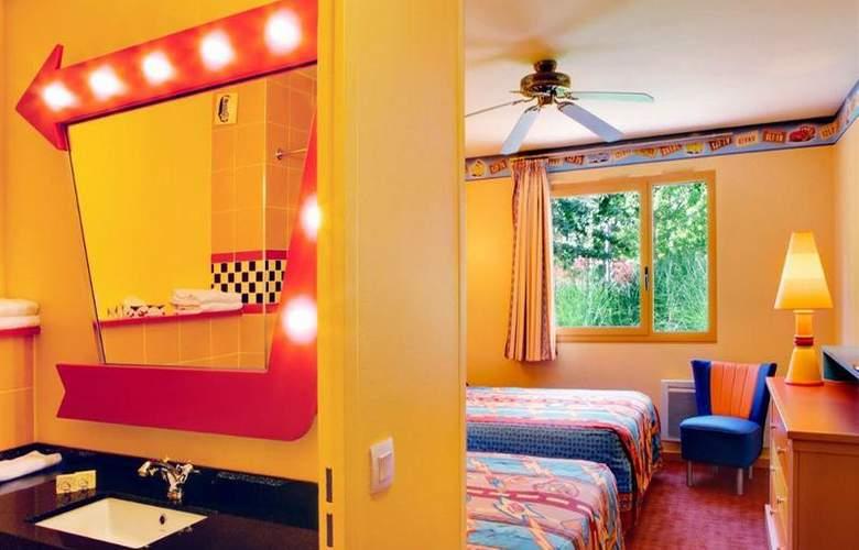 Disney's Hotel Santa Fe - Room - 9