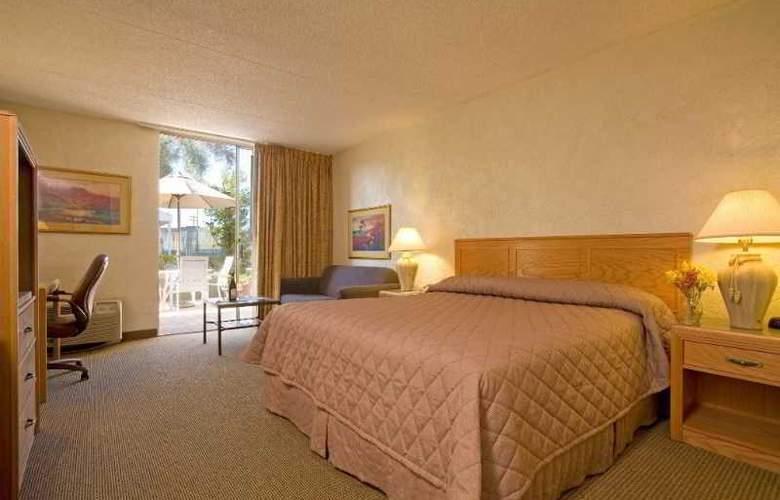 Riverpark Inn - Room - 9