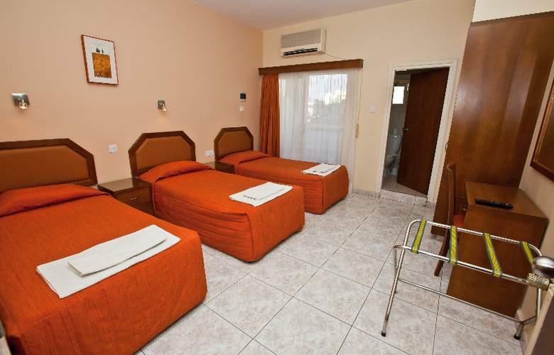 Pyramos Hotel - Room - 9
