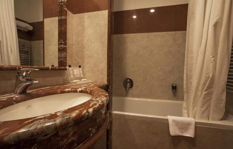 Grand Hotel La Chiusa Di Chietri - Room - 11