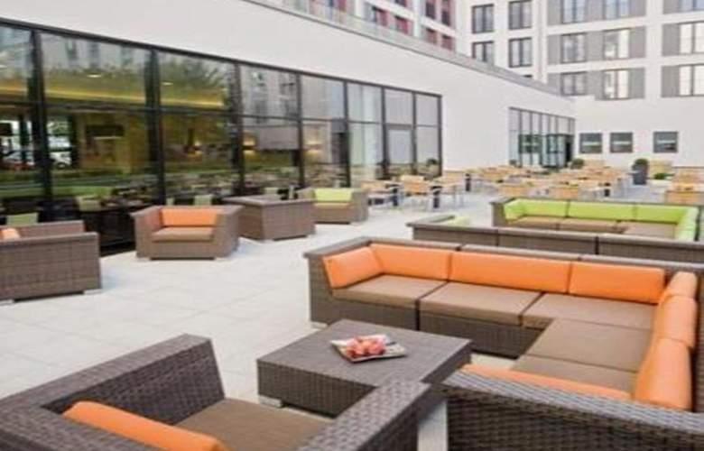 Courtyard by Marriott Munich City East - Terrace - 50