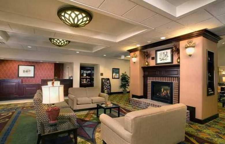 Hilton Garden Inn Albany Airport - Hotel - 6