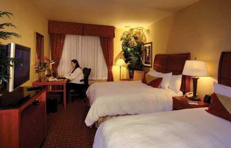 Hilton Garden Inn Las Vegas/Henderson - Hotel - 2