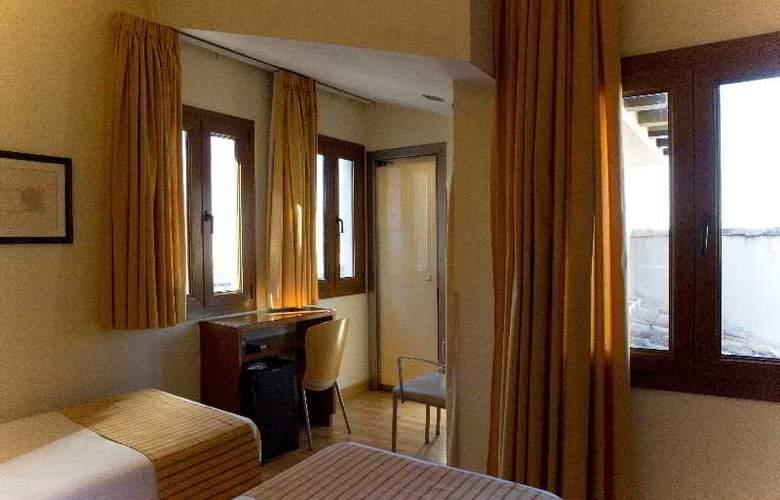 Puerta de las Granadas - Room - 17