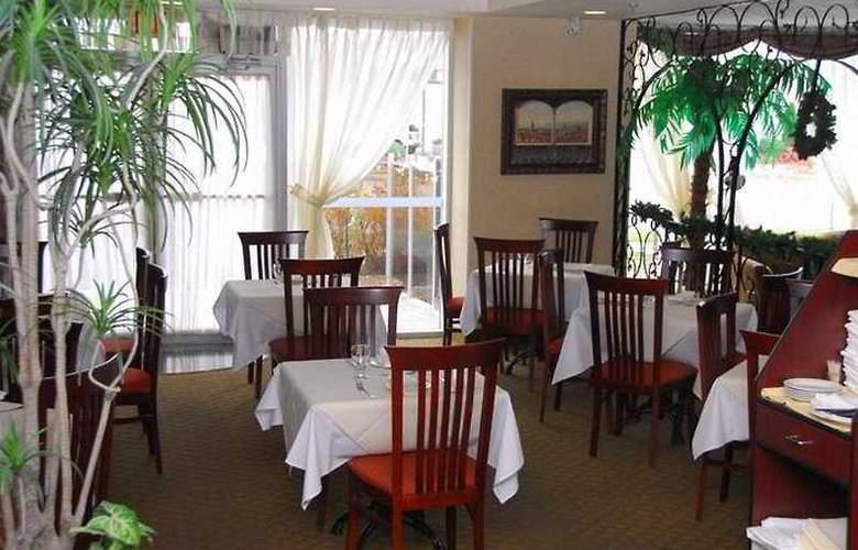 Monte Carlo Inn Airport Suites - Restaurant - 5