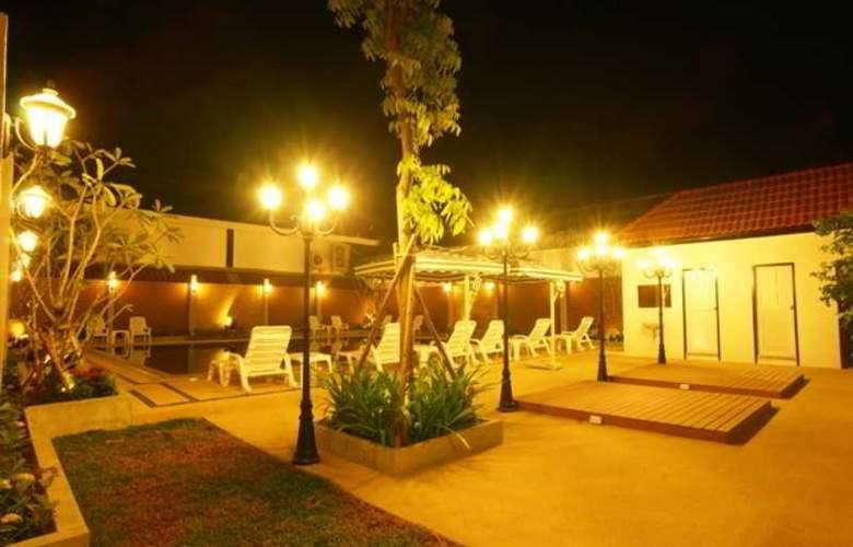 Suksabai Residence Pattaya - Pool - 2