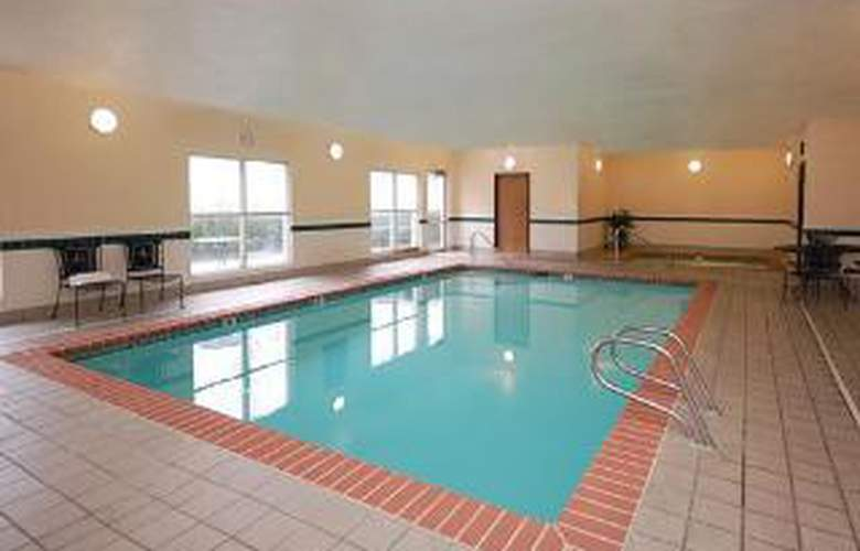 Comfort Inn South - Pool - 6