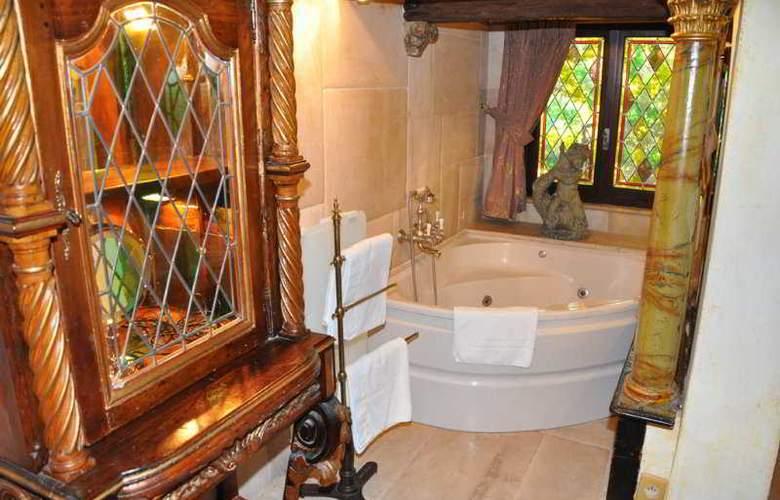 Château Hotel de la Vignette Haute - Room - 5
