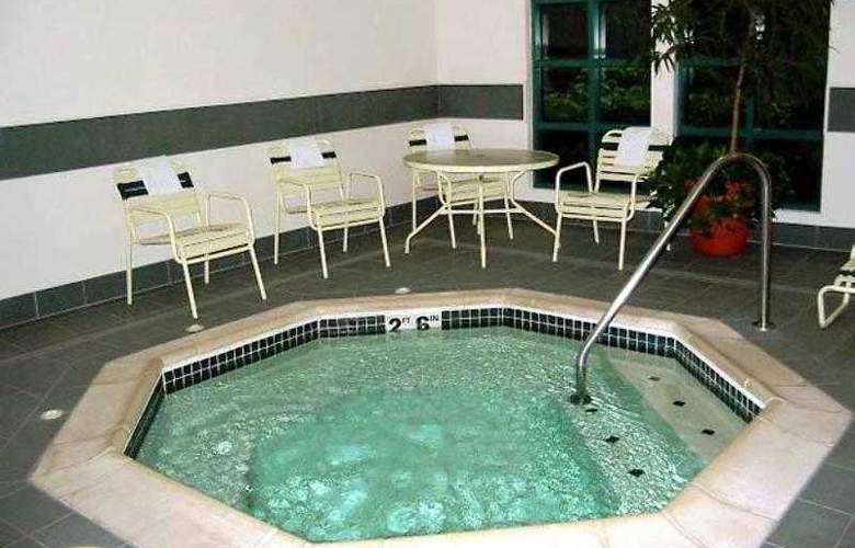 Courtyard Portland Tigard - Hotel - 7