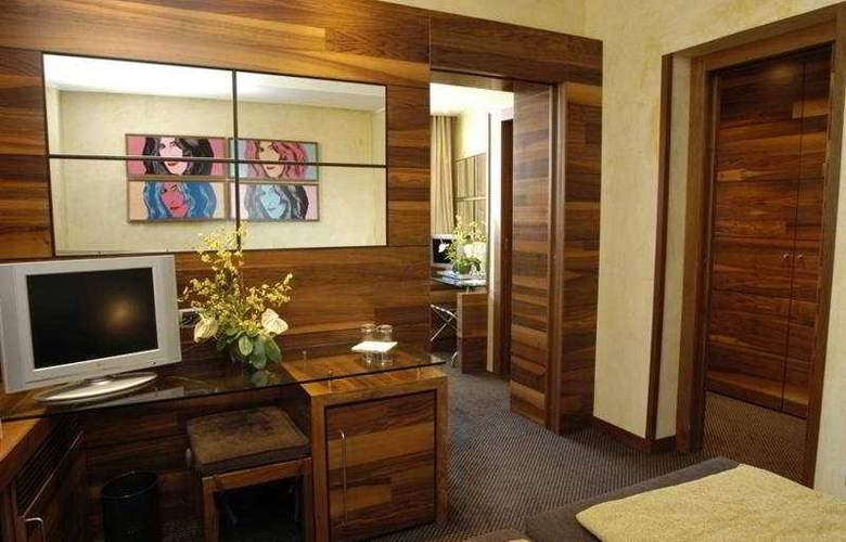 Tritone - Room - 7