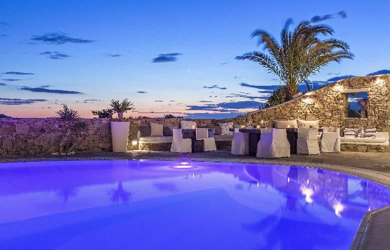Ostraco Luxury Suites - Hotel - 0