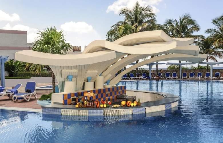 H10 Habana Panorama - Pool - 3