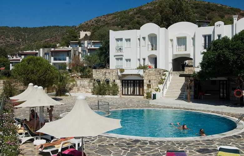 Vera Miramar Resort - Pool - 14