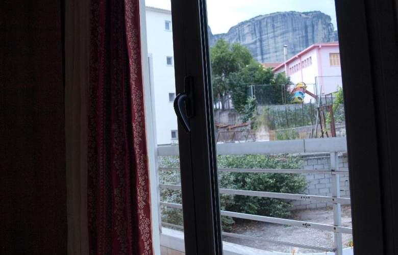 King Hotel - Room - 16